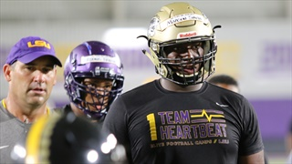 Maason Smith wants five-star talent to join him